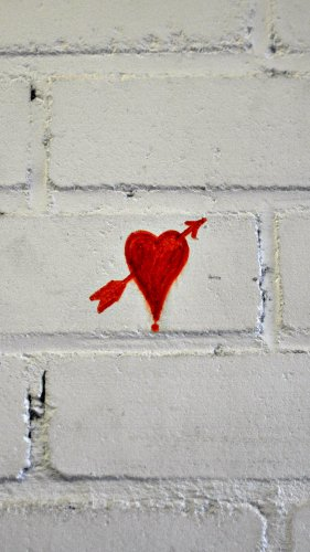 Heart Arrow Love Graffiti Mobile Wallpaper