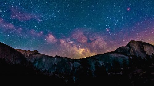 Milky Way Over Mountains HD Wallpaper
