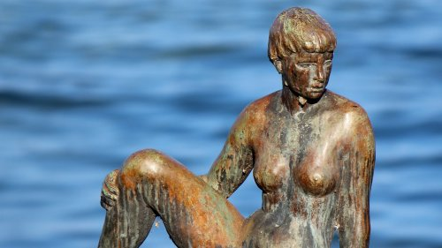 Bronze Woman Statue HD Wallpaper