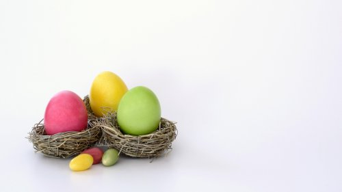 Easter Eggs in Nest Wallpaper
