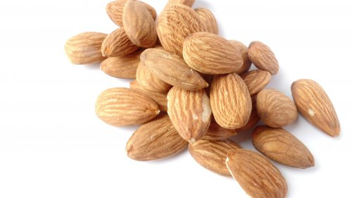Almonds HD Wallpaper