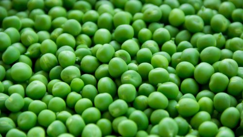 Fresh Peas Wallpaper