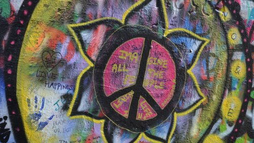 Lennon Wall Imagine Peace Flower Wallpaper