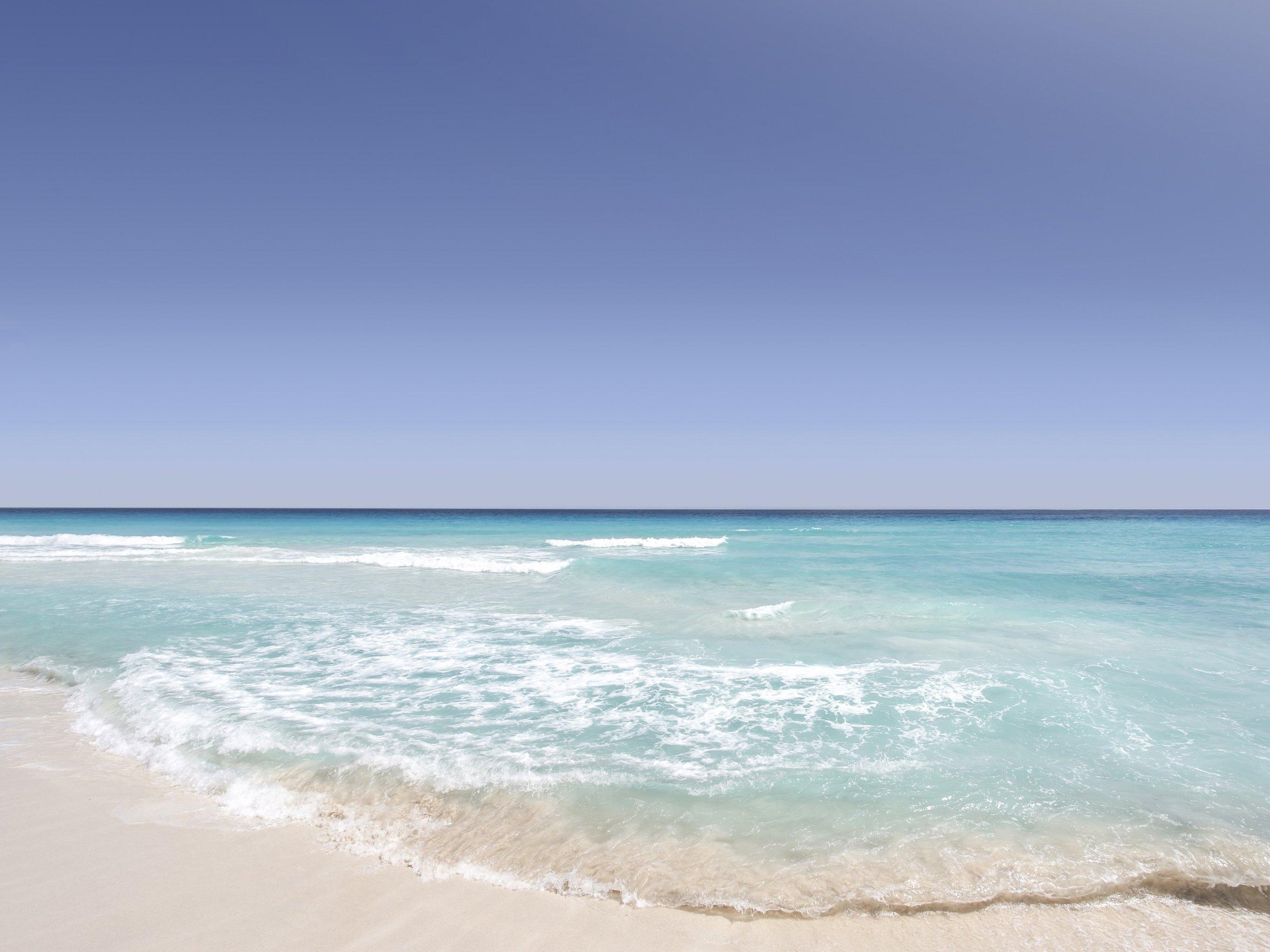 Sandy Beach Wallpaper: Tropical Sandy Beach Wallpaper