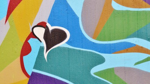 Heart Graffiti HD Wallpaper