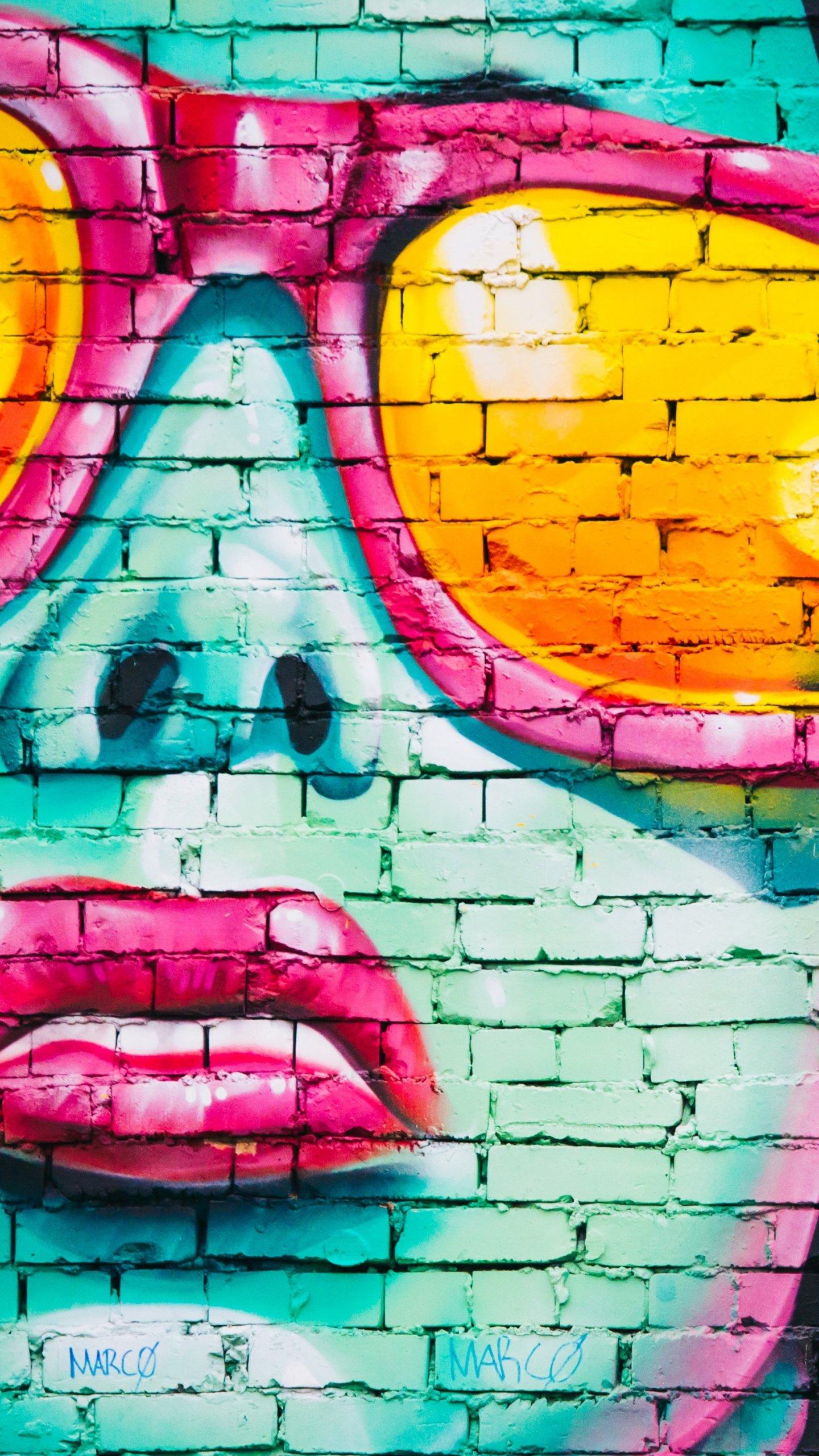 Girl With Sunglasses Graffiti