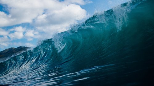 Ocean Wave HD Wallpaper